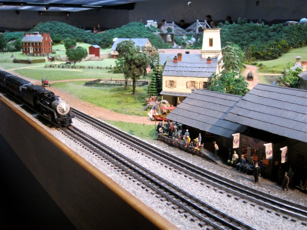 Carnegie Mellon Science Center Miniature Train Set-up